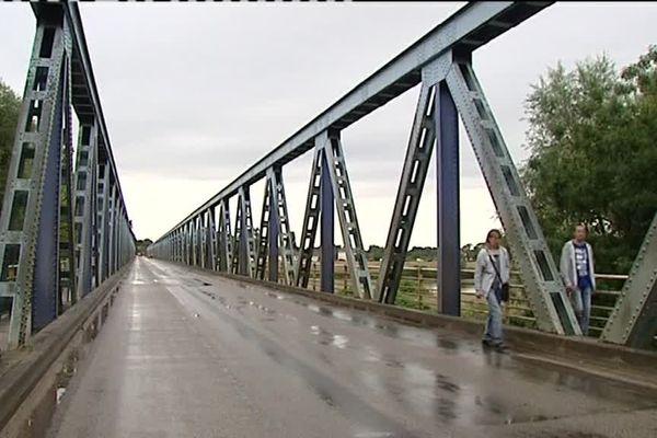 Le pont est fermé à la circulation pendant un mois, pour effectuer les travaux urgents d'étanchéité