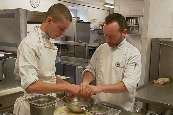 Les métiers de serveurs ou de cuisinier n'ont pas bonne presse auprès des jeunes