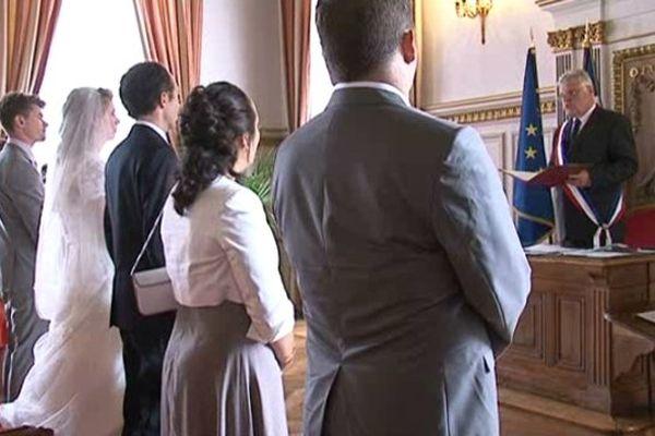 La mairie de Limoges a fait le plein de mariés hier