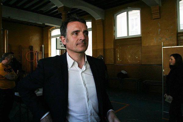 Le maire de Grenoble, Eric Piolle, lors du premier tour des élections municipales le 15 mars.