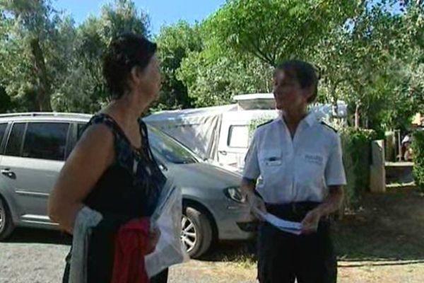 Dagmar, 47 ans, policière allemande est en mission à Marseillan plage pour aider ses compatriotes