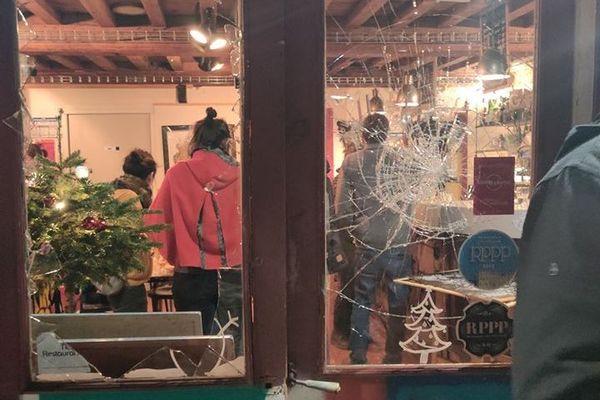 Une partie des dégâts au bar La Pinte Douce jeudi 19 décembre