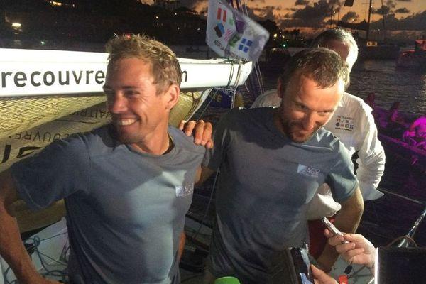 Le duo victorieux, Thomas Ruyant- Adrien Hardy à l'arrivée