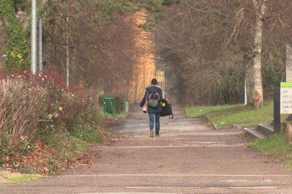 Des étudiants peuvent se retrouver en détresse psychologique pendant cette crise sanitaire