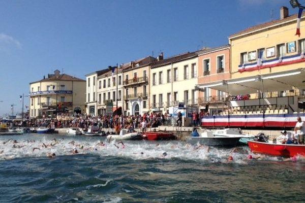 Les 151 nageurs au départ de la traversée de Sète à la nage - 24 août 2015