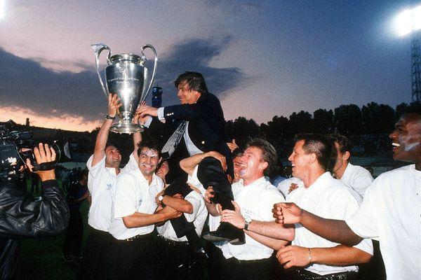 En 1993, Bernard Tapie est celui qui a conduit le club marseillais à la victoire en Coupe d'Europe, pour la première et unique fois en France
