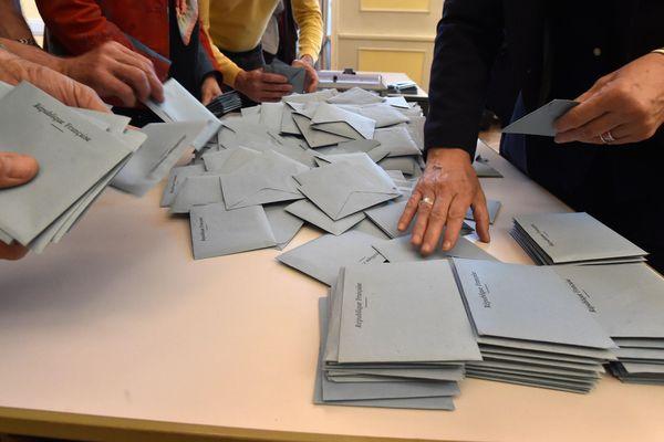 Le dépouillement des bulletins de vote