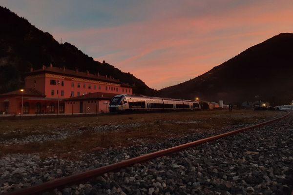 La gare de Breil-sur-Roya (Alpes-Maritimes), l'un des arrêts du Train des Merveilles.