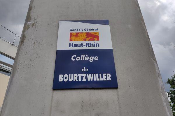 Le collège de Bourtzwiller compte 681 élèves et une soixantaine d'enseignants