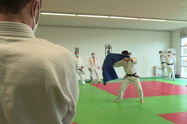 Le judo sans contact !