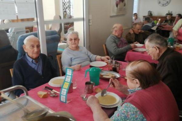 Confinement total pour les résidents et les personnels de la maison de retraite associative Bergeron-Grenier - Mansle (Charente).