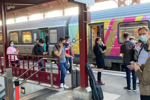 Les passagers en attente à Strasbourg suite l'interruption de trafic entre Sélestat et Strasbourg