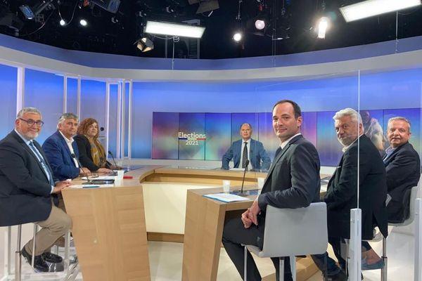 Le Gard étaiten débat (animé par Eric Félix) sur l'antenne de France 3 Languedoc-Roussillonce lundi 14 juinavec 6 invités représentant lesgrandes tendances politiques duDépartement.