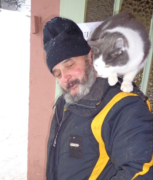 Marcel Didierjean, le gérant du téléski, ne se sépare jamais de son chat.