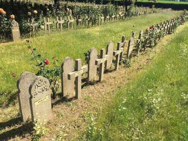La nécropole nationale d'Haudourdin où sont enterrés les soldats morts pendant la bataille de Lille de mai 1940.