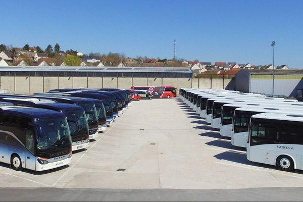 L'ensemble du parc d'autocars pendant le confinement.