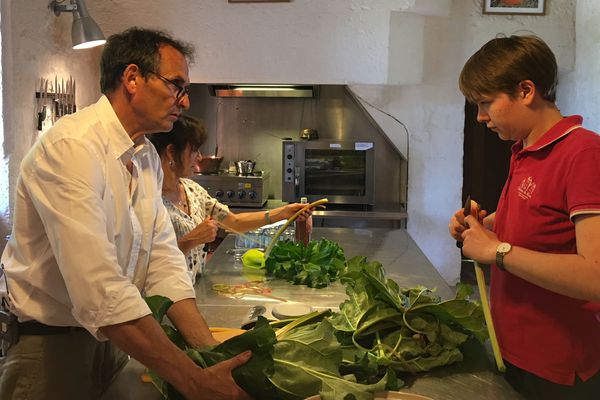 Fabrication de confiture dans les cuisines du château du Rivau