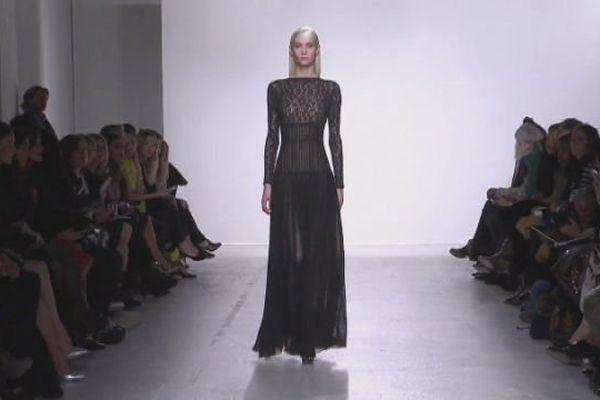 """En 2014, deux robes avaient été confectionnées par les couturières de World Tricot pour la """"Fashion week"""" de Paris"""