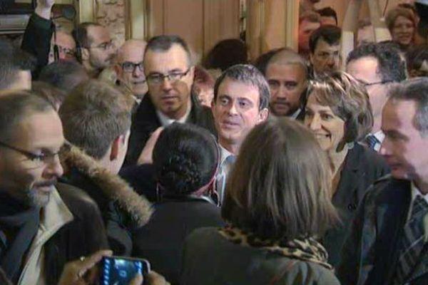Manuel Valls et Marisol Touraine en meeting à Tours pour les élections départementales.