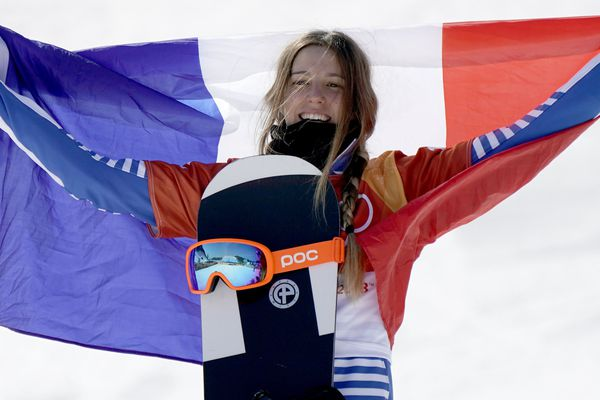 Julia Pereira de Sousa Mabileau, médaillée d'argent en snowboardcross,
