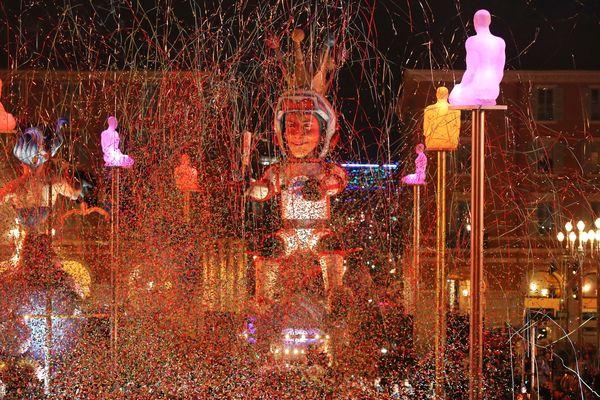 Le roi du carnaval de Nice, sur la place Massena