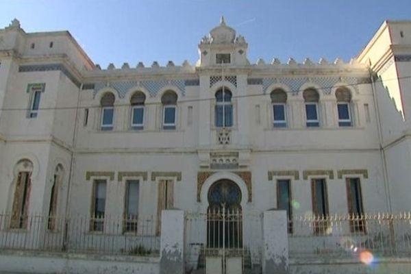 """A """"Tamaris-sur-mer"""", le splendide immeuble est à l'abandon."""