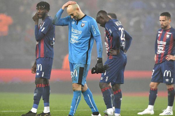 La tête des mauvais jours pour les joueurs du Stade Malherbe de Caen
