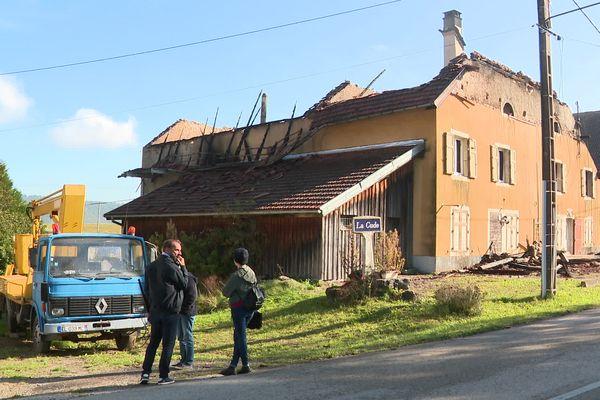 L'ancienne ferme comtoise a été détruite dans un incendie.