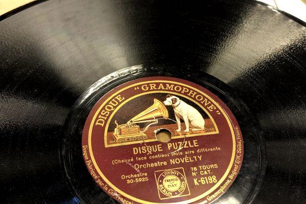Nipper est resté dessiné sur les disques Gramophone pendant 70 ans.