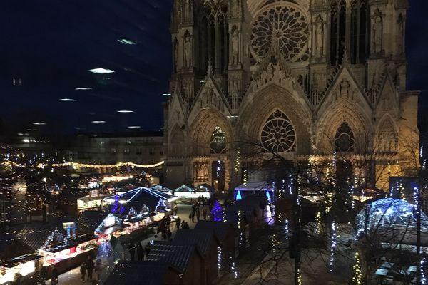 En temps normal, le marché de Noël de Reims accueille 150 chalets