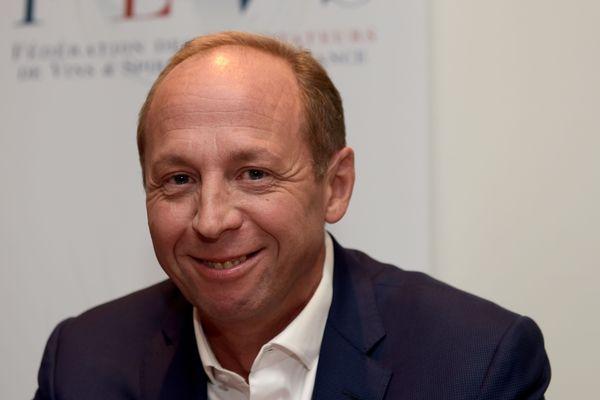 Les Etats-Unis ont imposé des sanctions douanières contre les produits européens comme une taxe de 25% pour les vins.Antoine Leccia, président de la Fédération des exportateurs de vins et spiritueux de France (FEVS) craint une baisse des ventes de l'ordre de 50%.