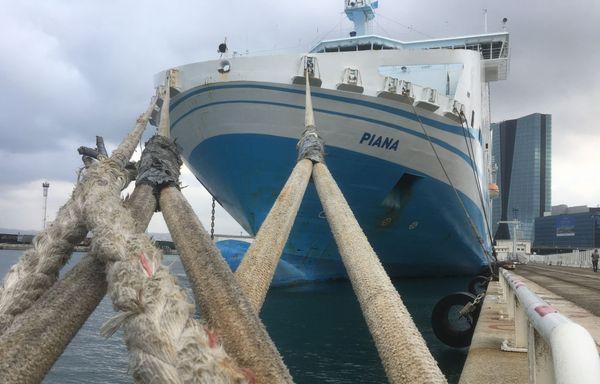 Le Piana de la compagnie La Méridionale, amarré dans le port de Marseille