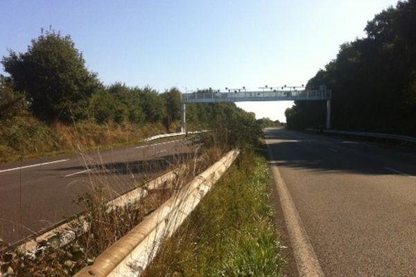 Le portique Ecotaxe saboté sur la RN 165 à la hauteur de Melgven (29)