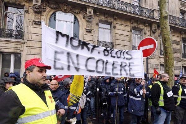 Les MoryGlobal manifestaient devant le ministère des transports à Paris le 26 mars