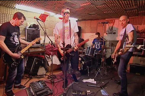 Le groupe orléanais Burning Heads en répétition.