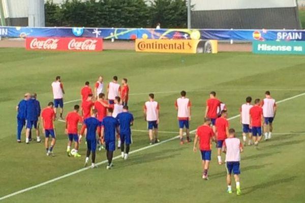L'équipe nationale d'Espagne à l'entraînement sur le terrain de St-Martin-de-Ré.