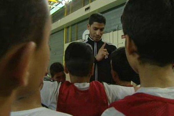 L'académie de futsal du Petit Bard à Montpellier compte 130 jeunes de 4 à 16 ans - avril 2015.