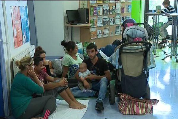 Des familles se sont mises à l'abri pendant quelques heures dans les locaux de la DIRECCTE de la Drôme.