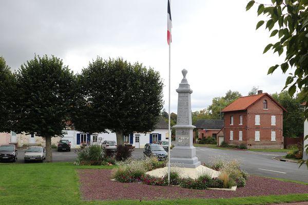 Le monument aux morts de Boubers-sur-Canche