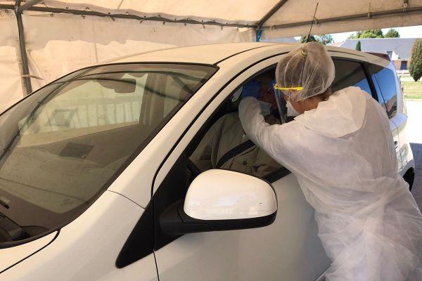"""A Aurillac, le 9 septembre, sera mis en place un """"drive test"""" du coronavirus COVID 19 pour permettre aux patients de se faire tester sans descendre de voiture."""