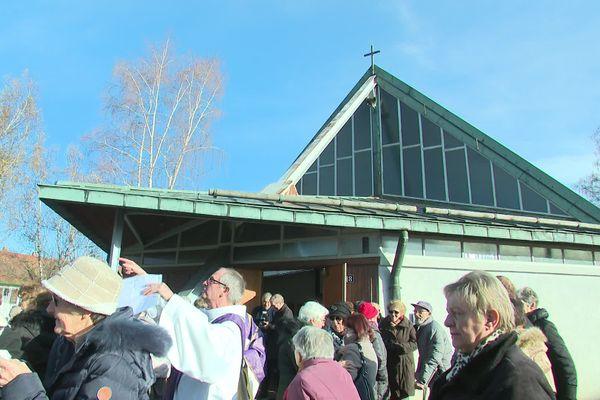 La chapelle a été construite il y a 60 ans par les habitants du quartier des castors.