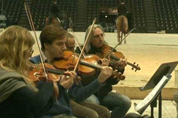 L'Orchestre national de Montpellier et les cavaliers du Cadre Noir de Saumur