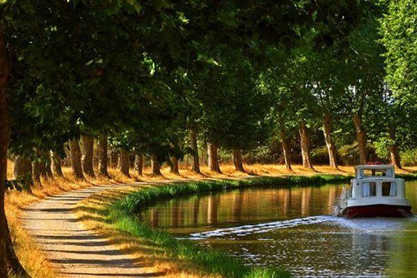 Le canal du Midi, inscrit au patrimoine mondial de l'Unesco.