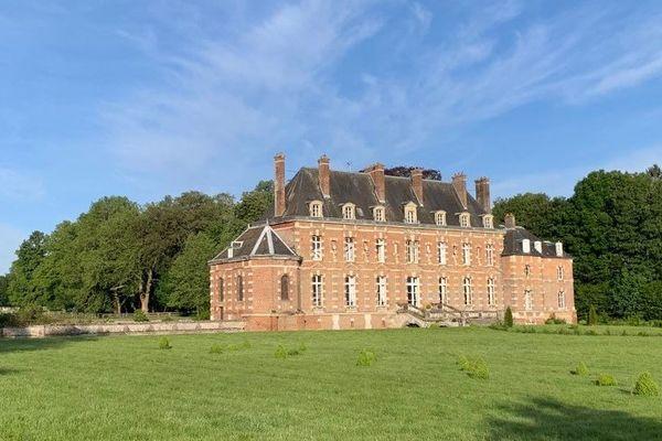 Situé dans l'Oise, à Berneuil-en-Bray, le château d'Auteuil enregistrait 100 nuitées par mois avant la crise du Covid-19.