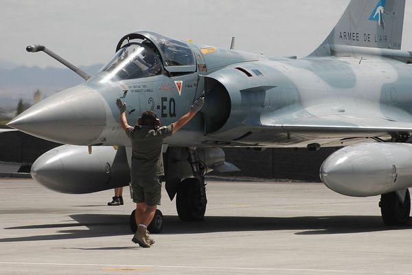 Un mirage 2000 de l'armée de l'air française