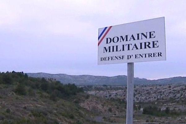 Opoul-Périllos (Pyrénées-Orientales) - domaine militaire d'entraînement de la DGSE - archives