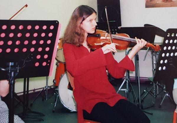 Julie Maninchedda avait appris le violon.
