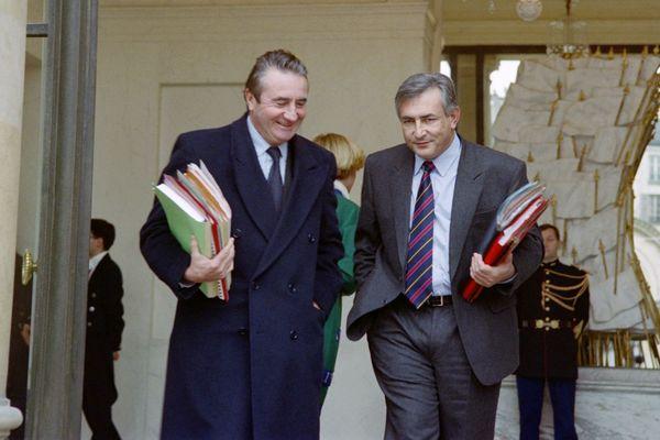 Jean-Pierre Soisson, alors ministre de l'Agriculture, aux côtés de Dominique Strauss-Kahn, ministre de l'Industrie en 1992 à l'Elysée.