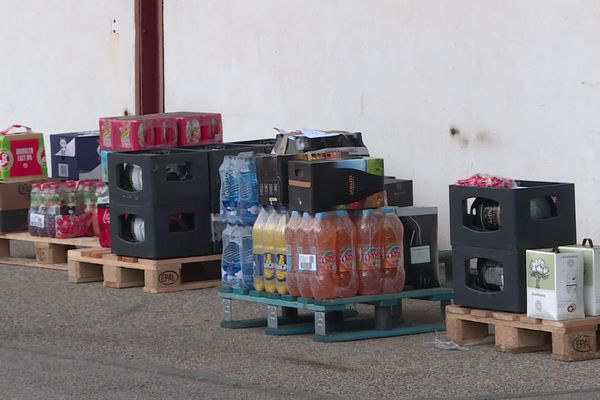 Un millier de commandes enregistrées à  Carquefou près de Nantes pour le premier jour de  l'opération destockage de la société Atlantique Boissons