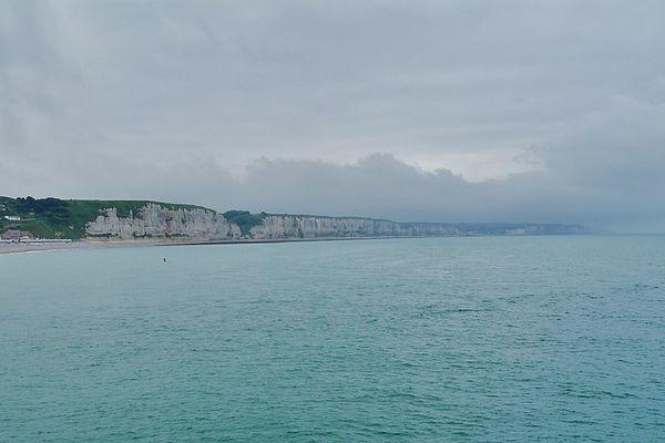 En Seine-Maritime, les falaises de Fécamp et d'Yport passeront une partie de ce jeudi sous des pluies régulières.
